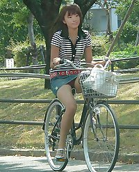Japanese Girl Upskirts 04