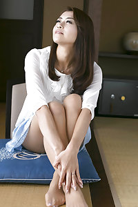 Maki Hojo: beautiful mature Japanese slut