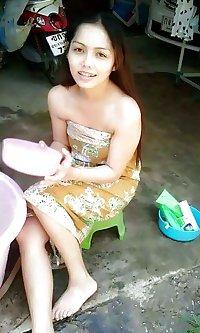 Gadis Batik